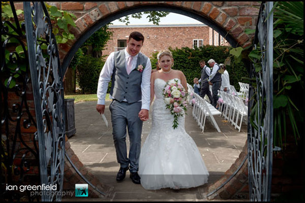 mount pleasant hotel doncaster (7) just married